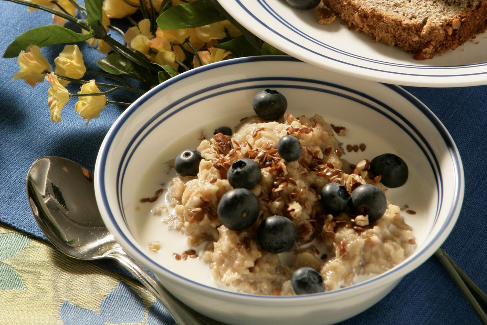 Maple Oatmeal with Quinoa - Oats Everyday