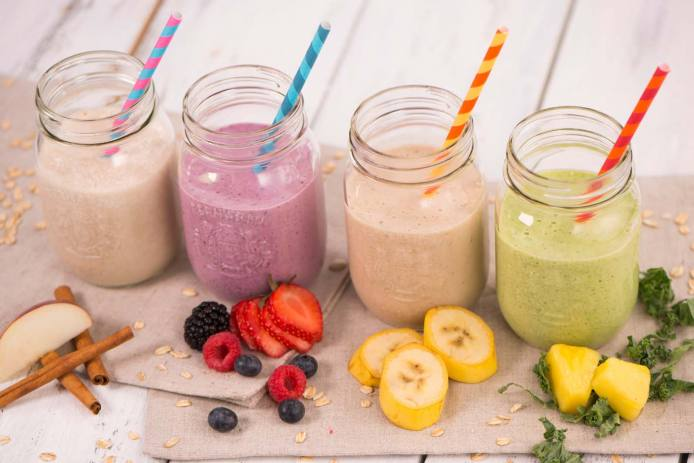 Our favorite Oat Smoothies: Apple Pie, Berries, Peanut Butter and Banana, and Pineapple and Kale Oat Smoothies