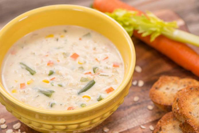 Creamy Vegetable Soup with Rolled Oats